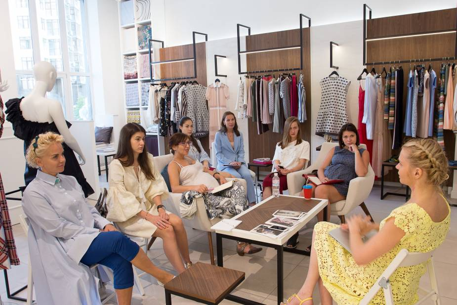 Best British Fashion Houses And Designers Prestigious Fashion Schools In The Uk Smapse